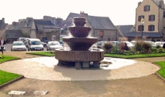 Vasque de Keilinsky, ou de Kerliviry - Français:   Vasque de Kerliviry sise Place du Kreisker à Saint-Pol-de-Léon (29).