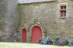 Manoir de Mézedern - Français:   le manoir de Mézedern, Plougonven, Finistère, Bretagne, France (le logis-porche)