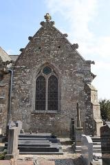 Eglise Saint-Léon - Façade nord de l'église Saint-Léon de La Baussaine (35). 4ème chapelle nord (numérotation d'est en ouest).