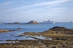 Ile Harbour et son fort - Deutsch: Dinard - Île Harbour: Blick auf die Insel Île Harbour im Golf von Saint-Malo.