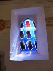 Manoir de Boisorcant -  vitrail de la chapelle du chateau du bois d'orcan