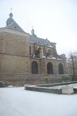 Basilique Saint-Sauveur - Français:   Basilique Saint-Sauveur neige