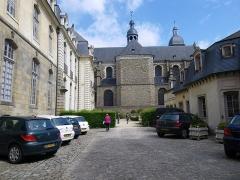 Basilique Saint-Sauveur -  Basilique Saint-Sauveur et Hôtel de Blossac à Rennes (35).