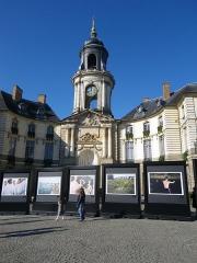 Hôtel de ville -  exposition place de la mairie a rennes octobre 2011