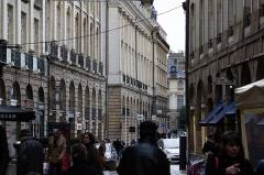 Place du Parlement de Bretagne - Français:  Bas de la place du Parlement et début de la rue Saint-Georges à Rennes. Tous les bâtiments visibles sont classés au titre des monuments historiques.