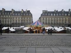 Place du Parlement de Bretagne -  la place du parlement et le marché de noel