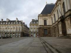 Place du Parlement de Bretagne -  le parlement de bretagne