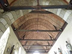 Eglise Saint-Georges - Intérieur de l'église Saint-Georges de Saint-Georges-de-Gréhaigne (35). Voûte de la nef vue du chœur.