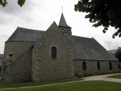 Ancienne église Saint-Lunaire - Français:   Flanc sud de la vieille église de Saint-Lunaire (35).