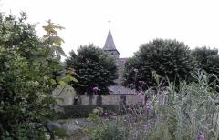 Ancienne église Saint-Lunaire - Français:   Flanc nord de la vieille église de Saint-Lunaire (35).