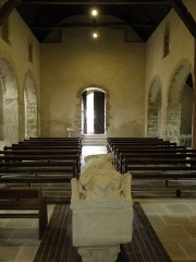Ancienne église Saint-Lunaire - Français:   Vue vers l\'occident de la nef de la vieille église de Saint-Lunaire (35).