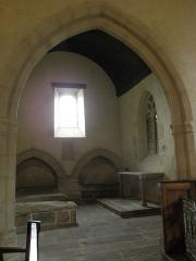 Ancienne église Saint-Lunaire - Français:   Chapelle des Pontbriant (nord) de l\'ancienne église de Saint-Lunaire (35).