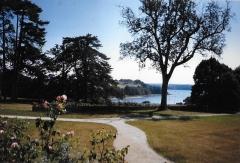 Château du Boscq, à Saint-Servan - Français:   Les jardins de la malouinière du Bosc en 1998, Ille-et-Vilaine, France