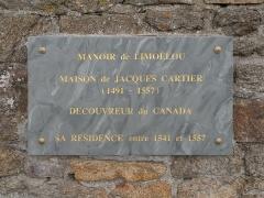 Maison de Jacques Cartier, dite Les Portes Cartier - Français:   Plaque commérant le séjour de Jacques Cartier dans le Manoir de Limoëlou à Saint-Malo.