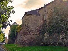 Enceinte urbaine fortifiée - English: Ramparts of Vitré (13th century)