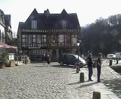Maison - Deutsch: Auray, an der Place Saint-Sauveur