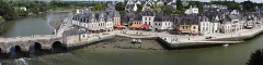 Pont de Saint-Goustan - English: Port Saint Goustan in Auray,France. Panorama created with Hugin from 11 images taken with a Canon EOS 350D and a Canon 50mm f/1.4 @ f/8.