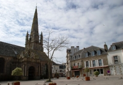 Eglise Saint-Cornély - English: Carnac Center
