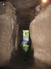 Tumulus-dolmen de Kercado - Deutsch: Dolmengang Tumulus Kergado