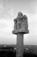 Tumulus-dolmen du Mont-Saint-Michel -