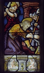 Eglise Saint-Jean-Baptiste - Français:   Maîtresse-vitre de l\'église Saint-Jean-Baptiste de Le Croisty (56). Détail. Décollation de Saint-Jean-Baptiste.