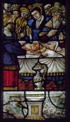Eglise Saint-Jean-Baptiste - Français:   Maîtresse-vitre de l\'église Saint-Jean-Baptiste de Le Croisty (56). Détail. Salomé présentant le chef de Saint-Jean-Baptiste à Hérodiade.