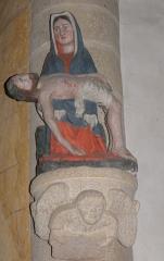 Eglise Saint-Jean-Baptiste - Français:   Statue de la Vierge de Pitié l\'église Saint-Jean-Baptiste de Le Croisty (56).