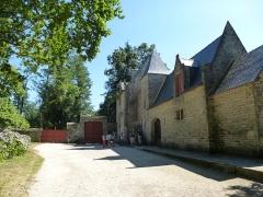 Ancienne forteresse ou ancien château de Largouët -  entrée de la forteresse de largoet