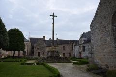 Cimetière -  Église Sainte-Anne du Guerno  interieur