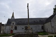 Cimetière -  Église Sainte-Anne du Guerno  exterieur