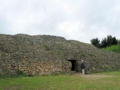 Tumulus-dolmen de l'île Gavrinis - Deutsch: Cairn von Gavrinis, Dolmenzugang
