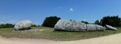 Grand menhir de Men-er-Grah - English: The Broken Menhir of Er Grah in Locmariaquer, Brittany