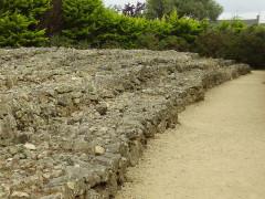 Tumulus -  Locmariaquer, Frankreich