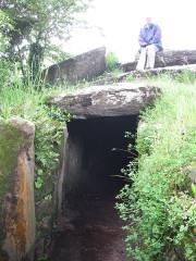 Tumulus avec dolmen du Mané-Nélud - Deutsch: Dolmen von Mane Lud bei Locmariaquer, Morbihan