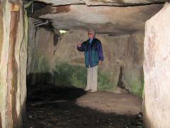Tumulus avec dolmen du Mané-Nélud - Deutsch: Grabkammer des Dolmen von Mane Lud bei Locmariaquer