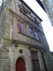 Ancien hôtel des Ducs de Bretagne -  maison ancienne a ploermel