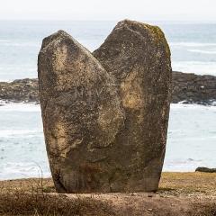 Premier menhir de Mané-Meur - Français:   Menhir de Beg-er-Goalennec (Bonnet d\'Evêque) (Quiberon)