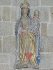 Chapelle de Locmaria - Français:   Chapelle de Locmaria en Quistinic (56). Statue de la Vierge à l\'Enfant.