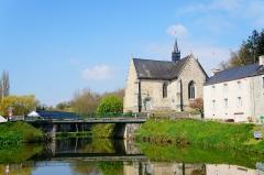 Chapelle Notre-Dame-de-Bonne-Encontre à Saint-Samson - Français:   Le canal de Nantes à Brest à Rohan