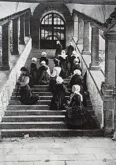 Site de la basilique de Sainte-Anne-d'Auray - Sainte-Anne-d'Auray: femmes montant à genoux la Scala Sancta afin d'implorer les faveurs de sainte Anne (journal