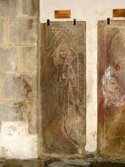Eglise Saint-Gildas - Pierre tombale de Nicolas de Bretagne (1249-1251), dans l'abbaye Saint-Gildas de Rhuys (Morbihan, France)