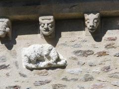 Eglise Saint-Gildas - L'église abbatiale détails des modillons   Saint-Gildas-de-Rhuys dans le Morbihan Bretagne