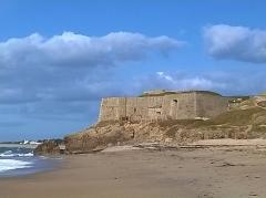 Fort de Penthièvre -  Morbihan Saint-Pierre-Quiberon Plage Du Pouladen Fort Penthievre Soldats 03022016