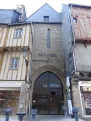 Ancienne cohue - English:   La Cohue - Modern art museum (Vannes)