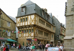 Ancienne cohue -  Old town of Vannes (Bretagne, France)