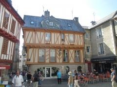 Maison - עברית: בית בעיר ואן, צרפת