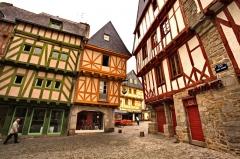 Maison - Français:   Maison, 2 place Henri-IV à Vannes, dans le Morbihan (France)