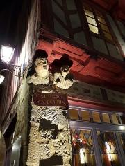 Maison dite de Vannes et sa femme - Français:   Vannes - sculpture dite \
