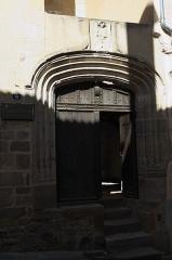 Maison des Echevins - Deutsch: Maison des Échevins (Haus der Schöffen) in Billom im Département Puy-de-Dôme (Auvergne-Rhône-Alpes/Frankreich)