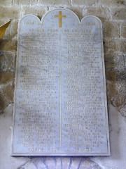 Eglise Saint-Pierre - English: Biollet (Puy-de-Dôme) église, plaquette monument aux morts